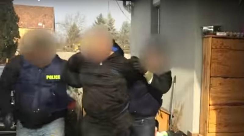 25 ezer adag heroint találtak egy gyáli lakásban – videóval