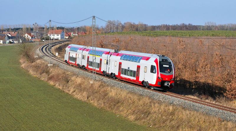 Emeletes vonat zakatolhat térségünkben