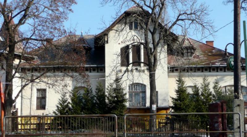 Felújították a péceli Pekáry kastélyt