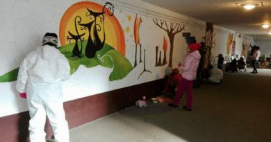 A monori vasúti aluljáró festése