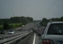 Brutális mennyiségű autó ömlik a fővárosra