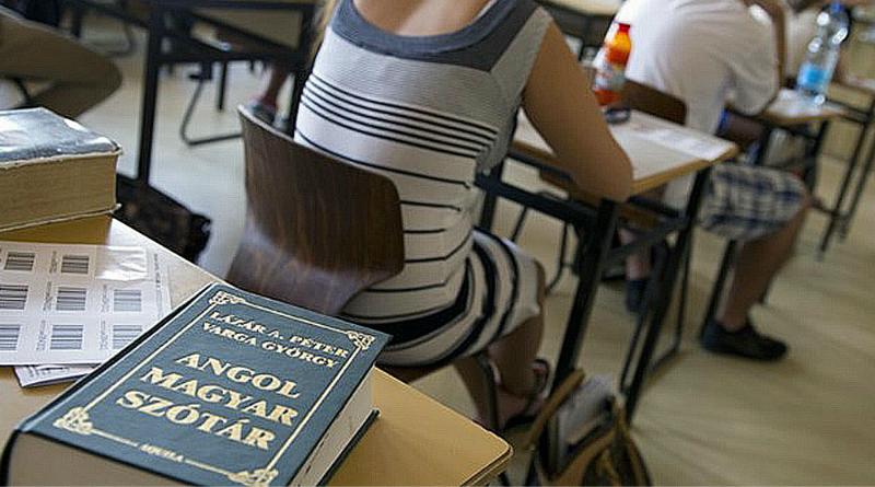 Mégsem kell nyelvvizsga a felsőoktatási jelentkezéshez